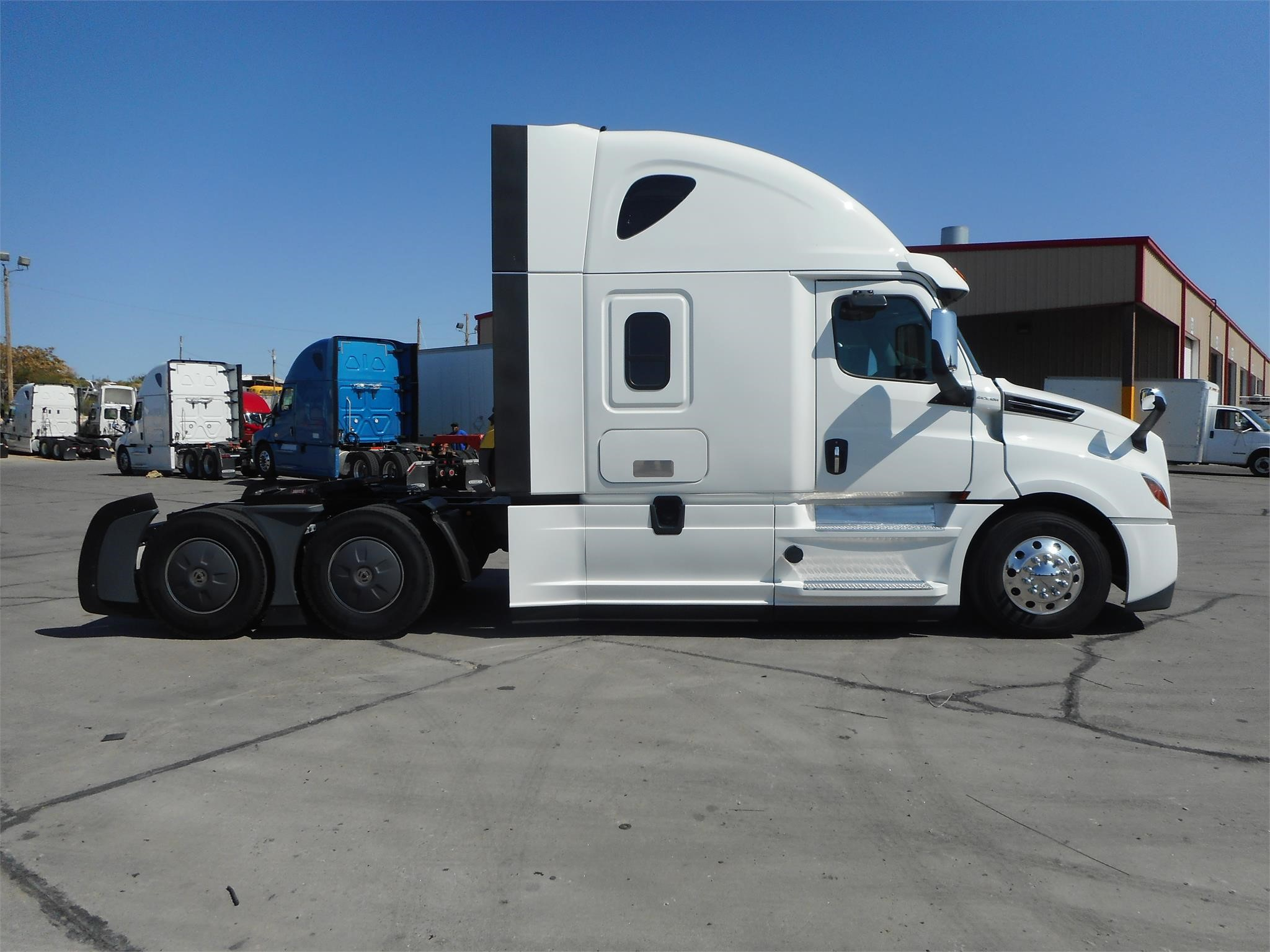 2019 Freightliner CASCADIA 126 | Doggett Industries